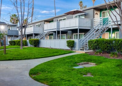 Countrywood Apartment Homes green walk ways to each units